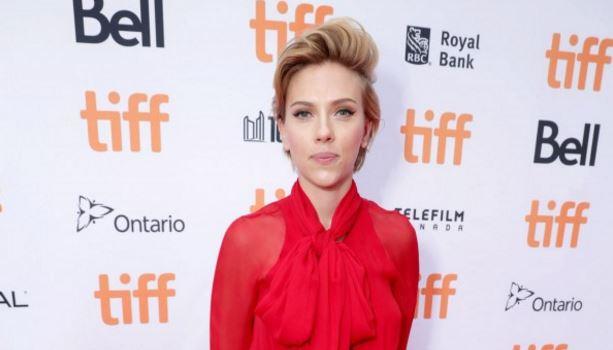Scarlett Johansson két év után válik