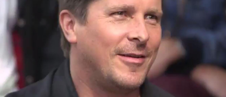 Rá sem ismerni Christian Bale-re, ismét hatalmas átváltozáson esett át a színész