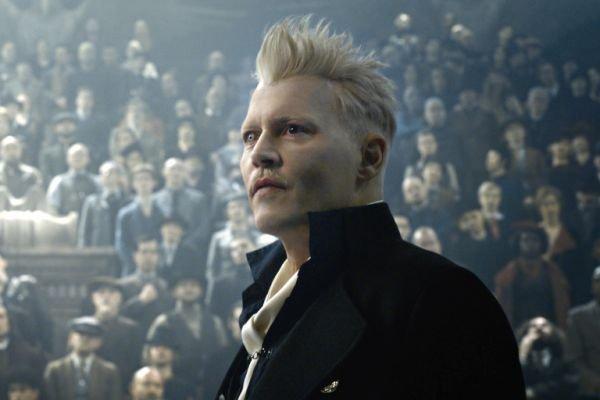 Johnny Depp félelmetes varázslóvá válik