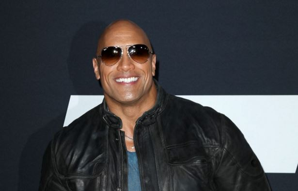 Dwayne Johnson még Jennifer Lopezt is kiütötte