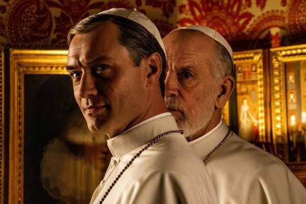 Az új pápa – Kiderült, mikor jön Jude Law és John Malkovich sorozata