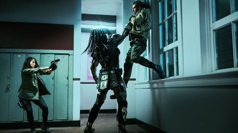 Női főszereplős lesz az új Predator reboot