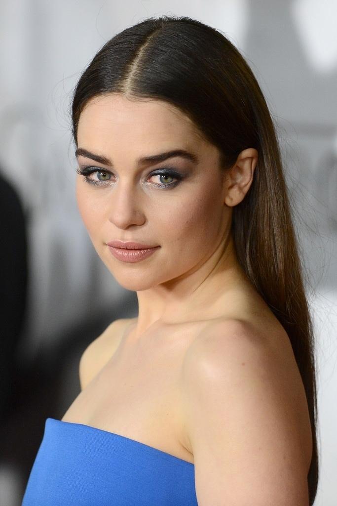 Emilia Clarke   Filmek, képek, díjak   Személyiség adatlap ...