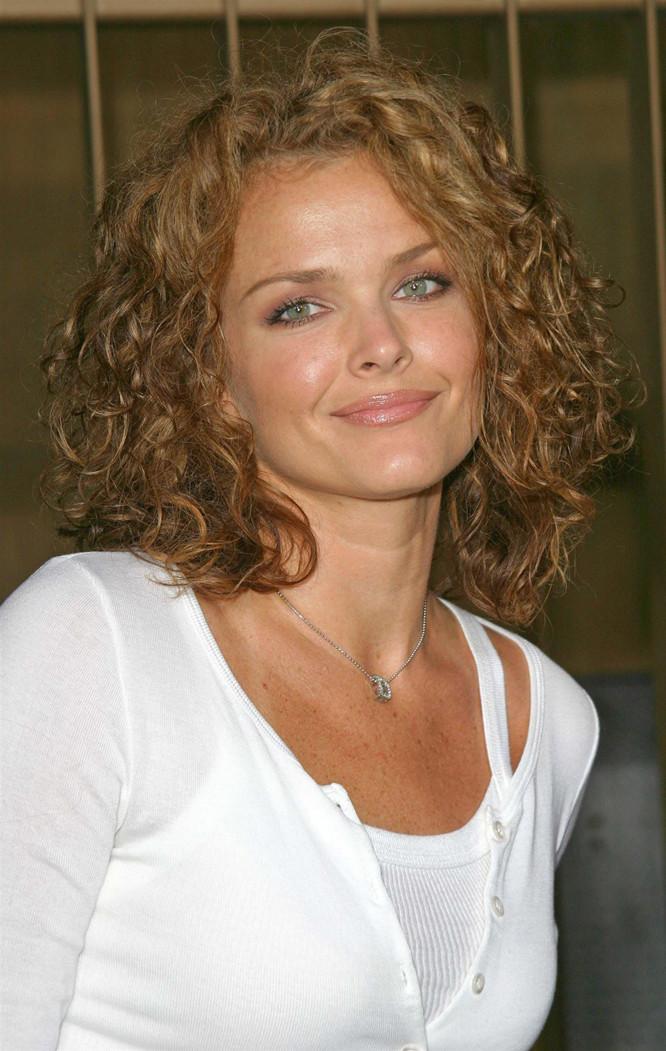 Dina Meyer 2021