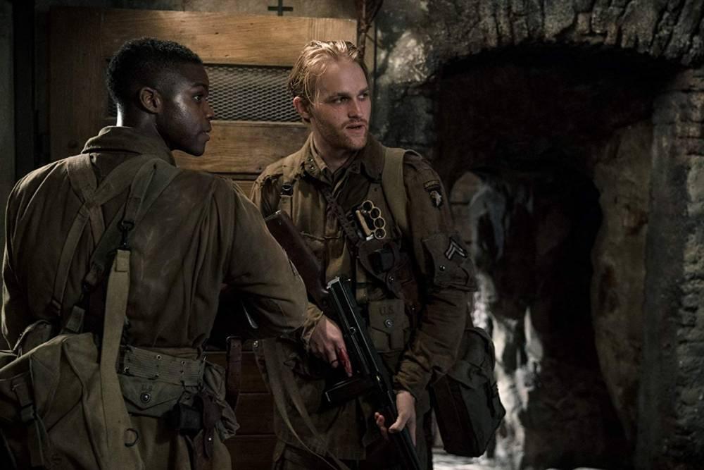 Horror elemekkel megfűszerezett, pazar háborús thriller