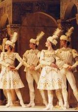 Royal Opera House : CONCERTO / ENIGMA VARIÁCIÓK / RAYMONDA III. felvonás